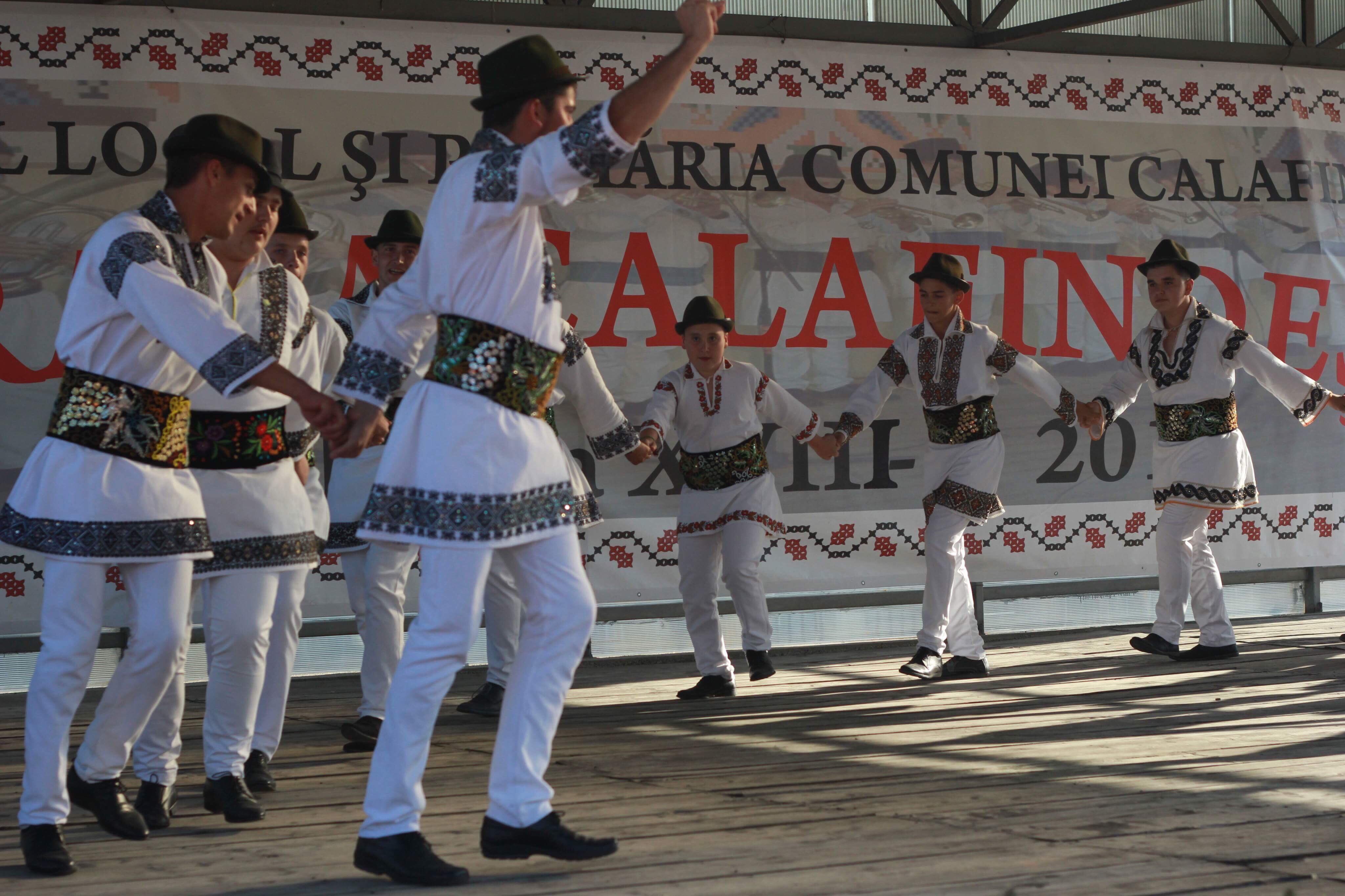 Dansatorii din Calafindești